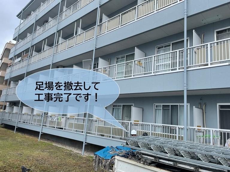 忠岡町のマンションで設置した足場を撤去して工事完了です