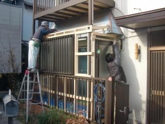 岸和田市土生町の物干し場に波板設置