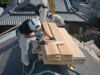 岸和田市土生町の杉の無垢材加工