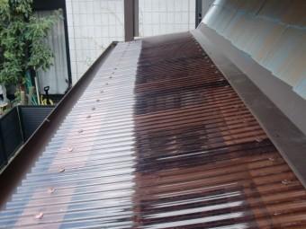 岸和田市土生町の物干し場の屋根に波板設置