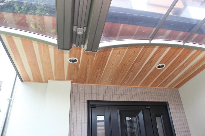 岸和田市 無垢材 玄関軒天井完了