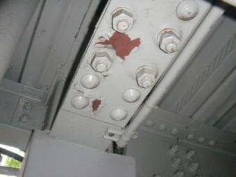 岸和田市春木の一階の鉄骨の塗膜の劣化状況