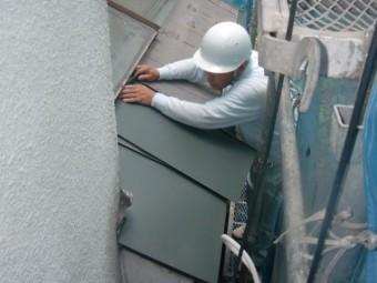 岸和田市春木本町の下屋にガルバリウム鋼板設置