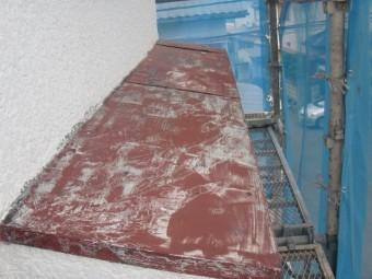 岸和田市摩湯町の錆びた庇の現況