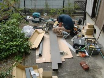岸和田市西之内町のウッドデッキの材料加工