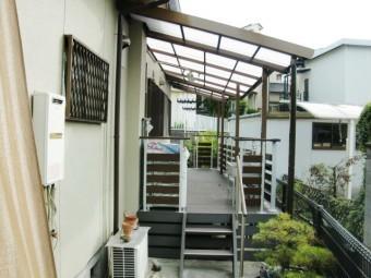 岸和田市西之内町のテラス屋根延長とウッドデッキ設置工事完了