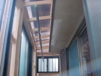 岸和田市土生町の物干し場の吊り竿