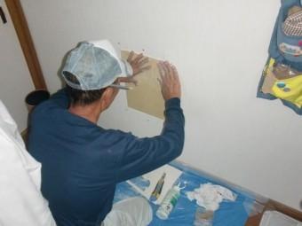 岸和田市西之内町の壁の穴あき補修/石膏ボード張り
