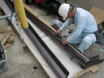 岸和田市天神山町の新しい雨樋は角型です!