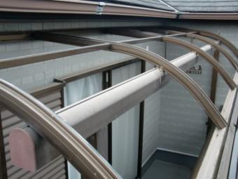 岸和田市尾生町の足場設置で屋根パネル仮撤去