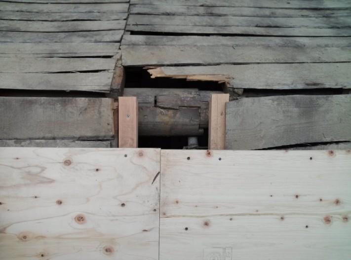 縁切りしなかったために起こった屋根の不具合