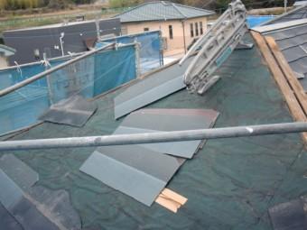 岸和田市尾生町の既存のスレート瓦撤去