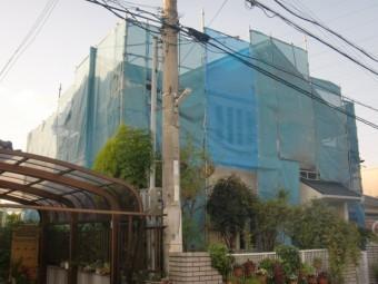 岸和田市岡山町の外壁・屋根塗装の足場設置完了
