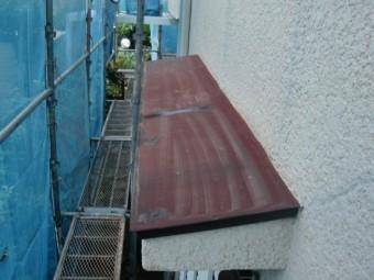 岸和田市岡山町の庇を洗浄してきれいに