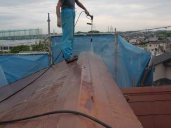 岸和田市摩湯町の複雑な屋根の形状