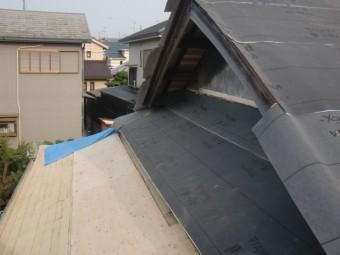 岸和田市土生町の軒天井にルーフィング