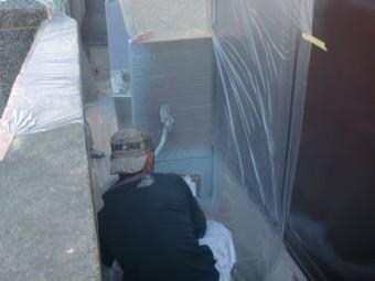 岸和田市吉井町のタイル下の基礎巾木上塗り