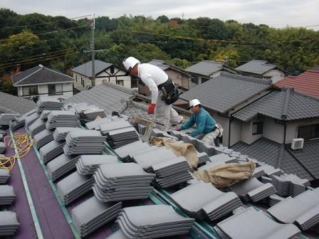 岸和田市天神山町の淡路産特上和瓦の葺き替え2日目