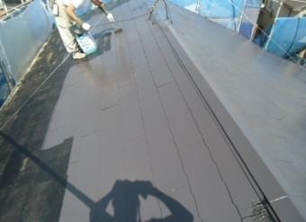 岸和田市摩湯町で屋根の中塗りです!!