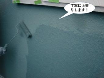 泉南市の外壁を丁寧に上塗りします