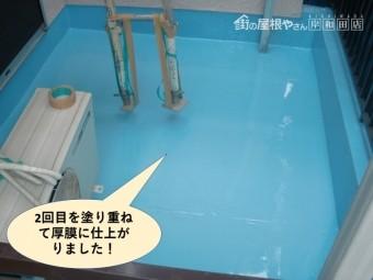 岸和田市のベランダにウレタンを2回目を塗り重ねて厚膜に仕上がりました!