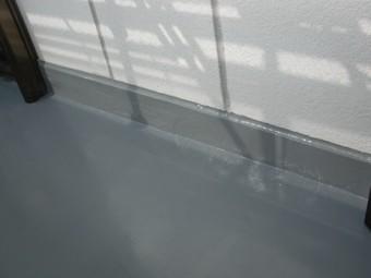 岸和田市上松町の雨漏りも防ぐ安心のベランダ防水の2日目