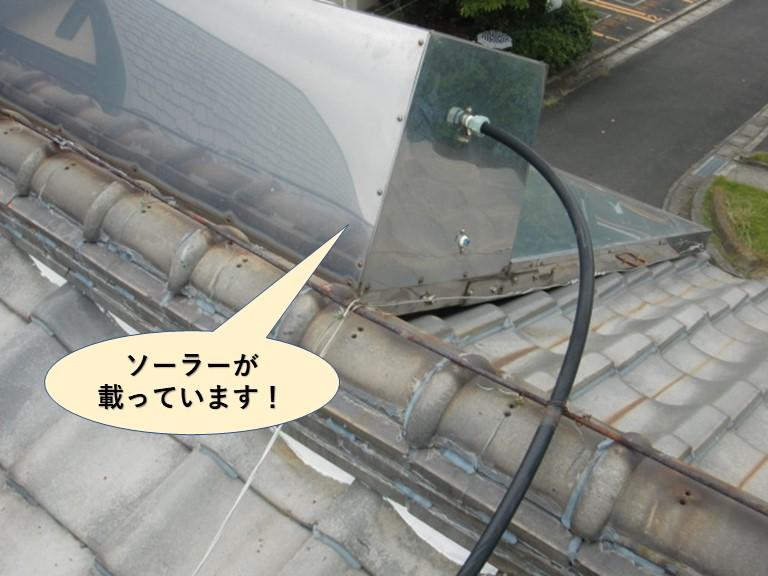 泉大津市の屋根にソーラーが載っています
