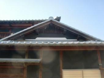 岸和田市東大路町の和瓦の屋根葺替えで銅板水切りの設置と樋修理等