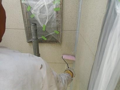 岸和田市真上町の外壁塗装と屋根塗装で外壁下地塗り