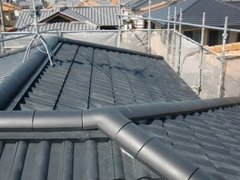 岸和田市土生町で屋根の洋瓦葺き替え工事