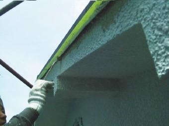 岸和田市吉井町の隙間は刷毛で塗装