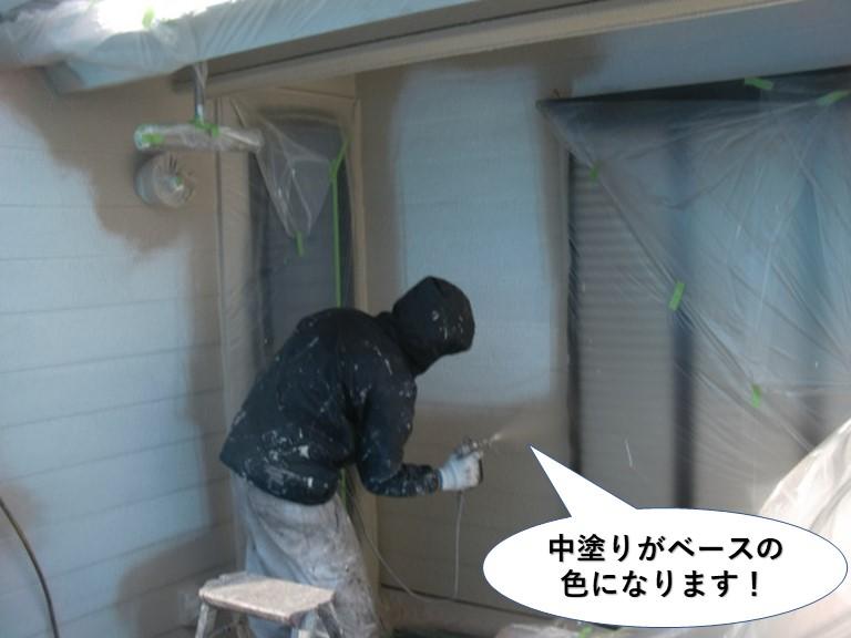 貝塚市の中塗りがベースの色になります