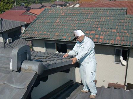 岸和田市天神山町の和瓦の葺き替え工事の現地調査