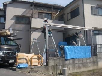 岸和田市神須屋町のカーポートの骨組み設置