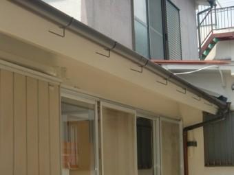 岸和田市大町でスレート瓦コロニアルクァッドへの屋根葺き替えで軽く