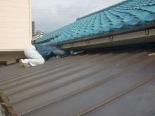 岸和田市野田町の住宅ガルバリューム鋼板縦平葺き
