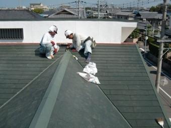 岸和田市上松町の屋根スレート瓦の下屋部分の葺き替え