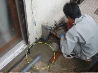 岸和田市土生町の水道管を地中で繋げました!