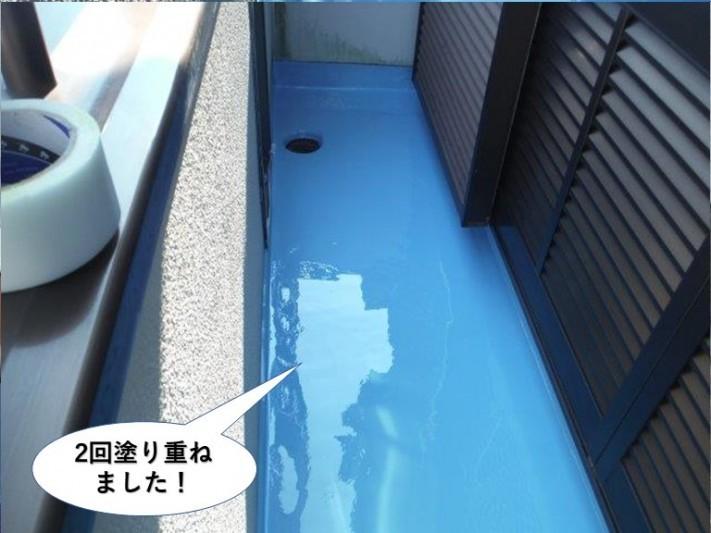和泉市のベランダにウレタン樹脂を2回塗り重ねました
