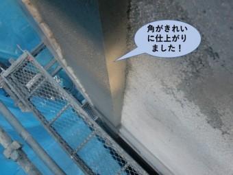 岸和田市のモルタル外壁の角がきれいに仕上がりました!