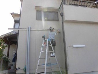岸和田市神須屋町のカーポートのフレーム設置