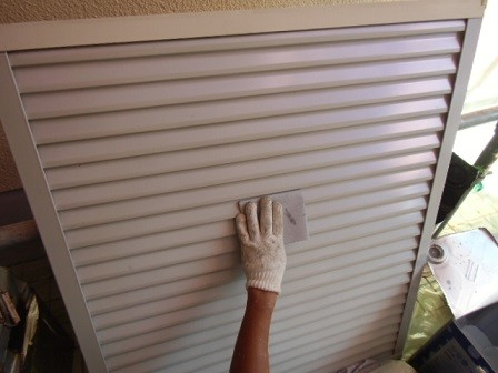岸和田市極楽寺町で外壁と屋根塗装の雨樋などの塗装