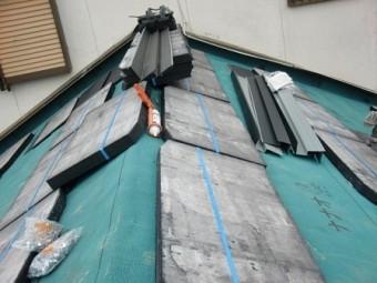 岸和田市大町で軽量瓦コロニアルクァッドへの屋根葺き替え