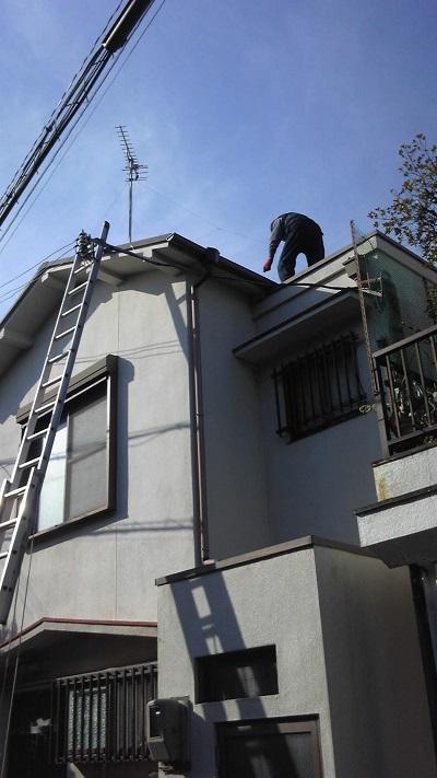 泉佐野市鶴原の雨漏り調査です