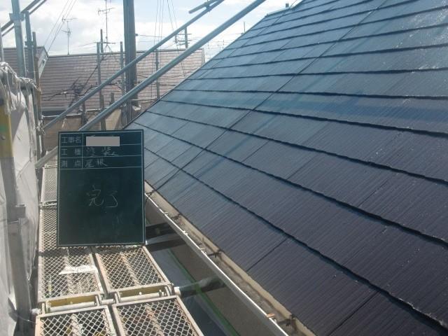 岸和田市極楽寺町でカビも除去した外壁と屋根塗装完成