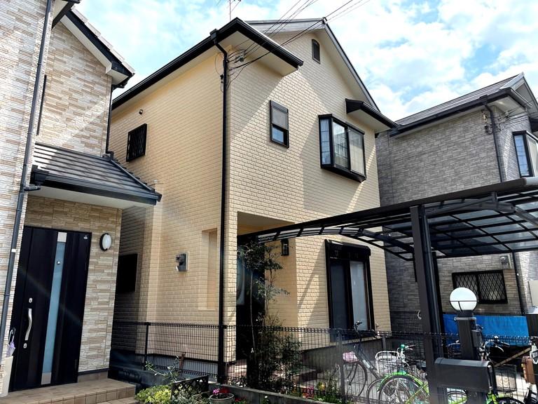 熊取町の屋根と外壁塗装完了状況