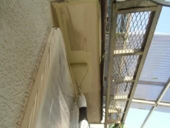 岸和田市天神山町の庇の裏塗装
