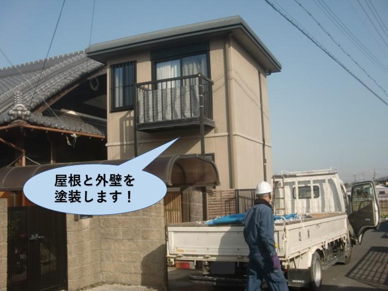 岸和田市の屋根と外壁を塗装します!
