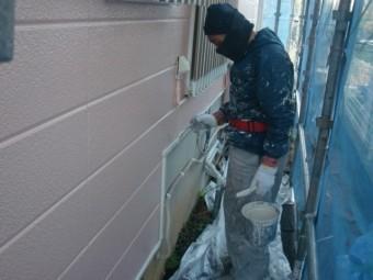 岸和田市下松町の電気の配線カバー塗装