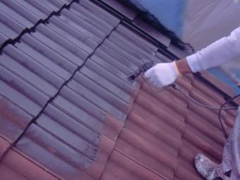 岸和田市西之内町のセメント瓦を吹き付け塗装